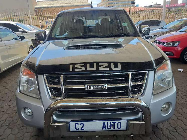 2009 isuzu kb300 2.5 d-teq 4x4 lx double cab