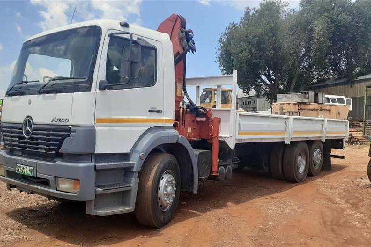 Mercedes-Benz 2528 Atego 6x2 Dropside with Crane - South