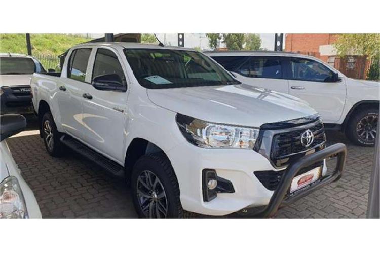 Toyota Hilux Double Cab HILUX 2.4 GD 6 RB SRX A/T P/U D/C