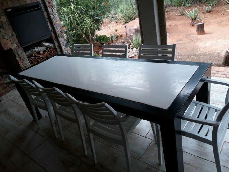 Staal stoeptafel & Eetkamerstel met 6 stoele