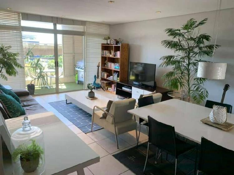 Stay in the heart of cape town in this 3 bedroom harbour