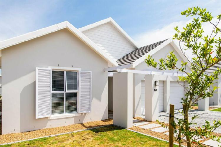 Three bedroom house to rent in the vines val de vie estate