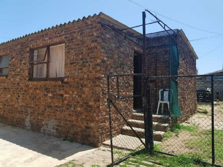 Residential garden cottage to let in algoa park