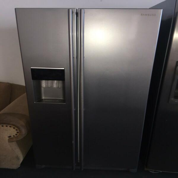Samsung side by side fridge with water dispenser and ice