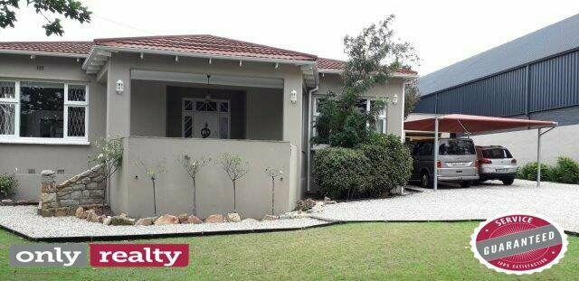 Walmer 3 bed 2 bath house with flatlet for sale