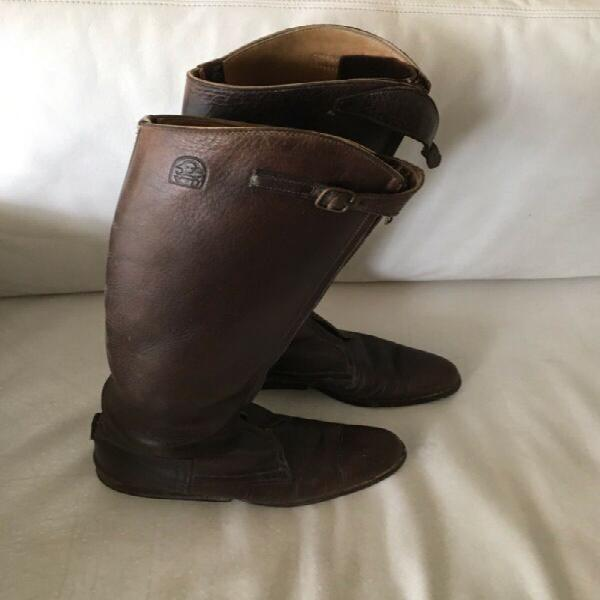Polo boots size 8 and knee protectors