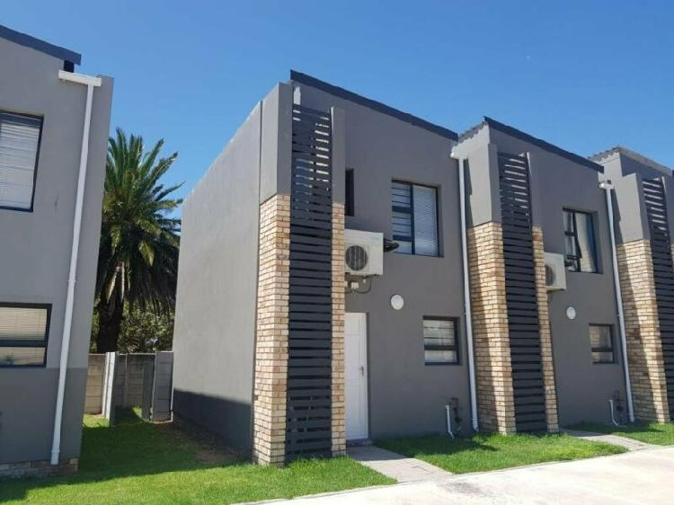 Residential duplex to let in newton park