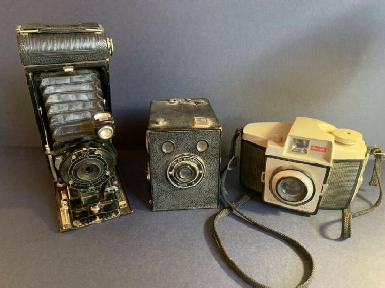 Vintage camera lot.