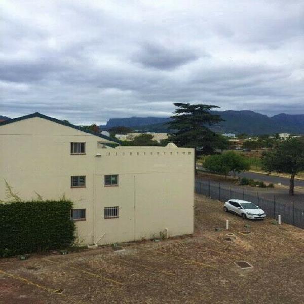 Bachelor to let in stellenbosch