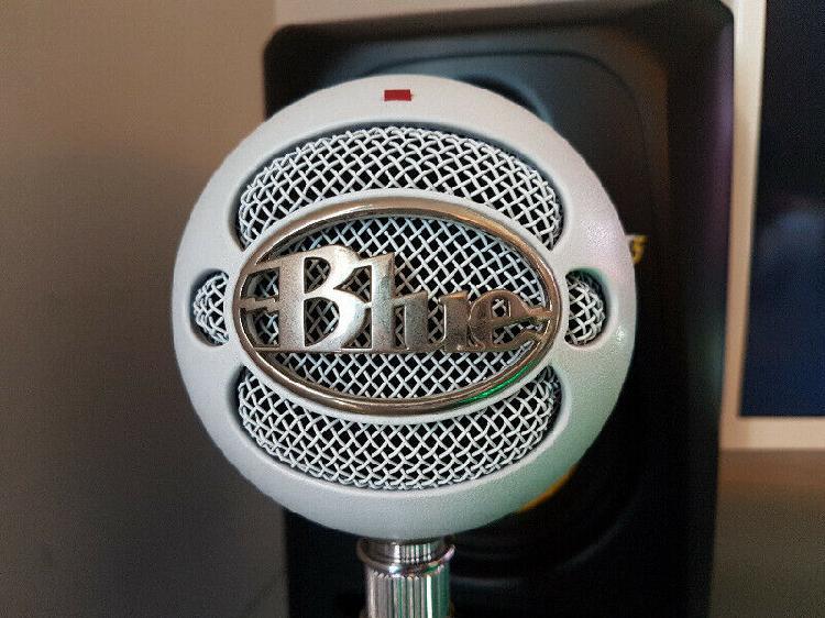 Blue snowball usb microphone (neat condition) r800 neg