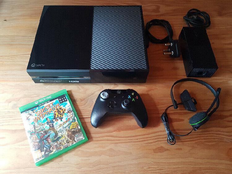 Xbox one bundle (neat condition) r3600 neg
