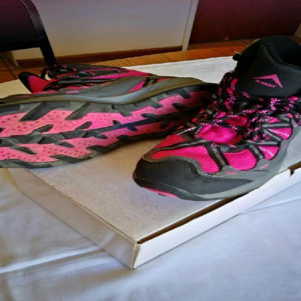 Hiking boots, k-way