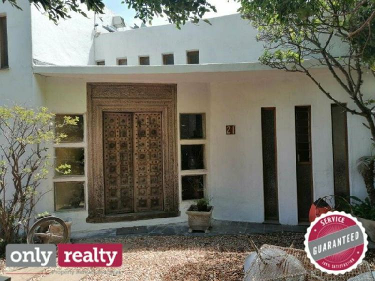 Summerstrand furnished 3 bed 2 bath house with pool for rent
