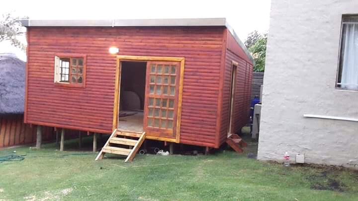 Wendy house and log cabins for sale