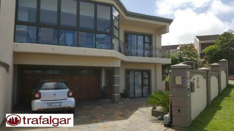 Beautiful, upmarket 3 bedroom house available to rent in