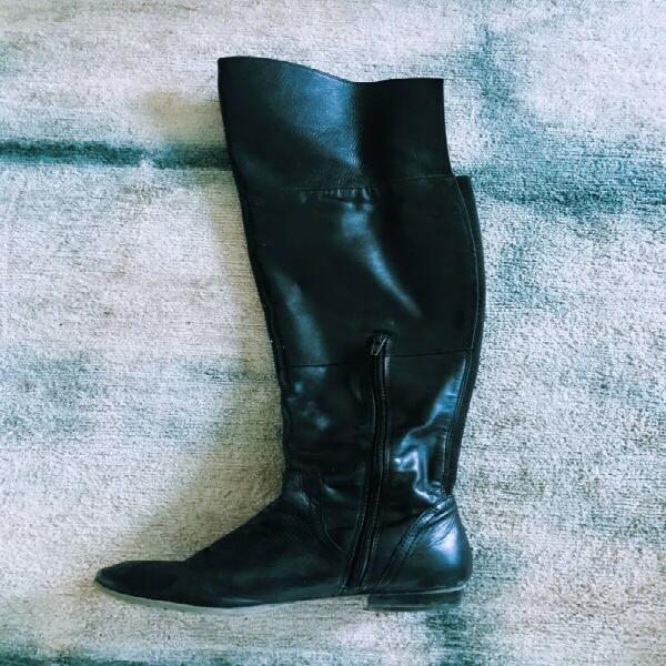 Boots for sale / r180 for all 4 pairs!