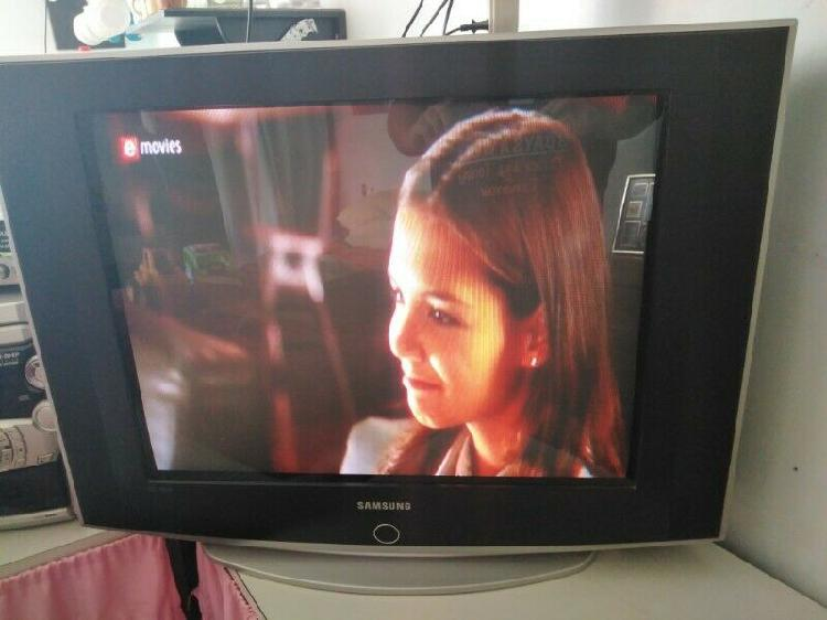Samsung 74cm flat crt tv and remote