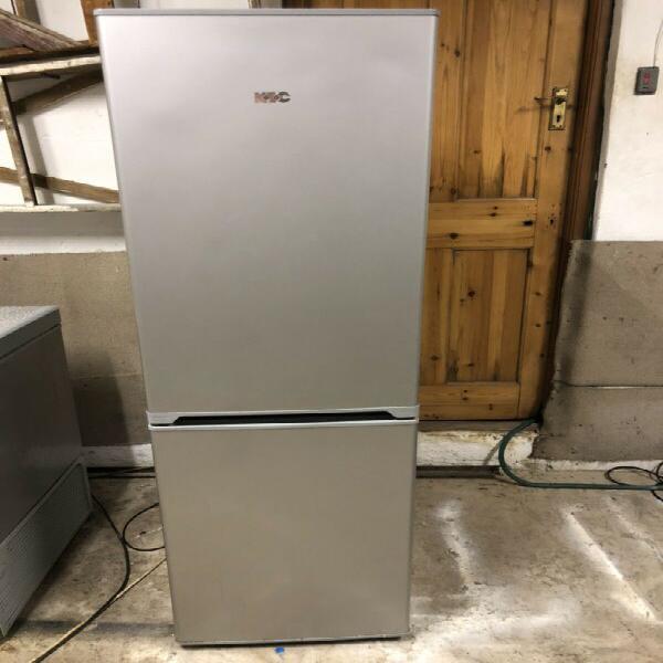 Fridge freezer - like new metallic silver kic 257 litres