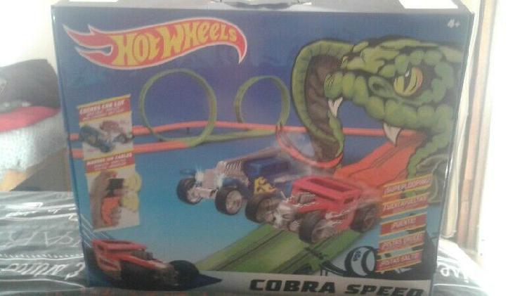 Hot wheels cobra track