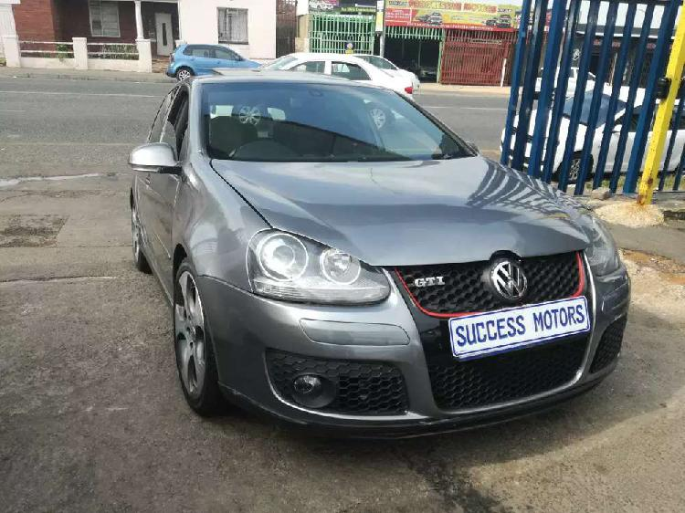 2009 volkswagen golf 5 2.0 automatic with a sunroof