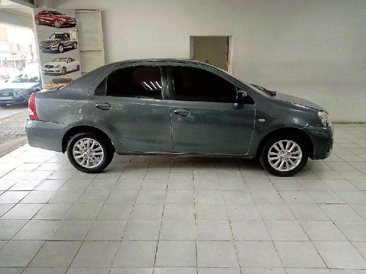 Grey toyota etios sedan 1.5 sprinter