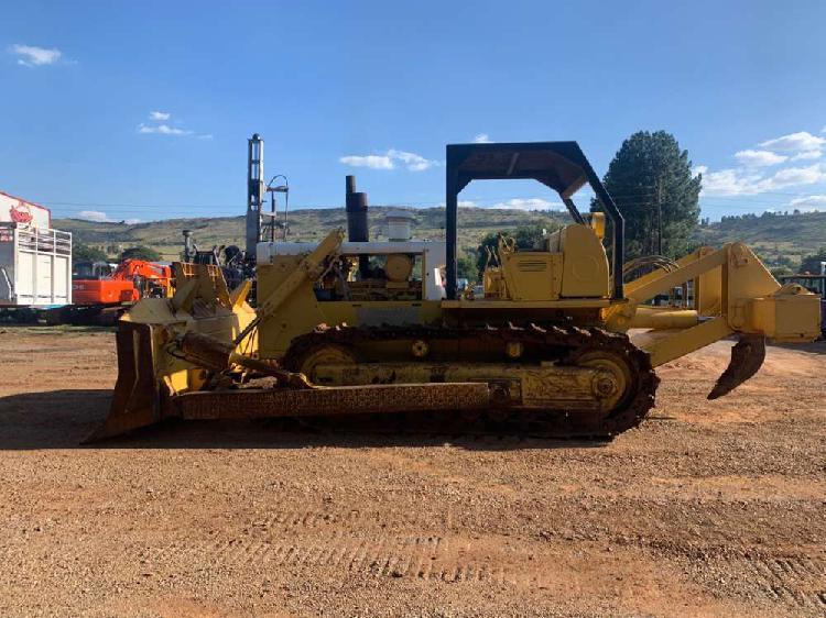 International bulldozer