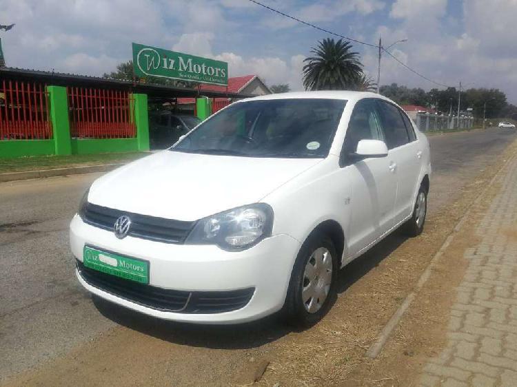 Volkswagen polo vivo 1.4 trendline sedan