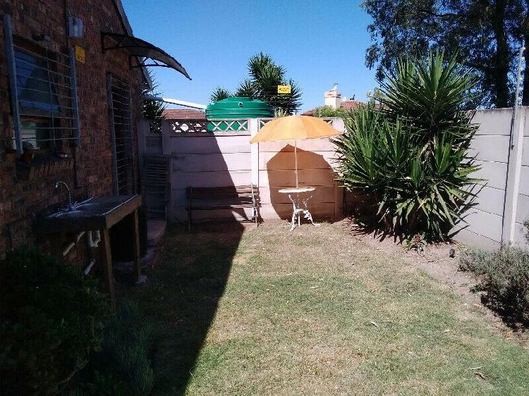 1 semi furnished bedroom,with own en-suite to rent. own