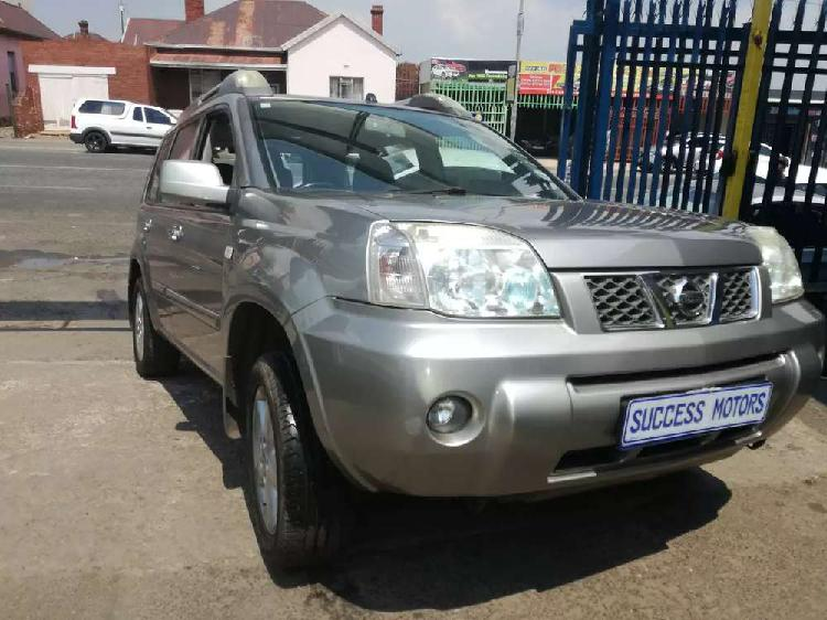 2006 nissan x-trail 2.5i automatic with a sunroof
