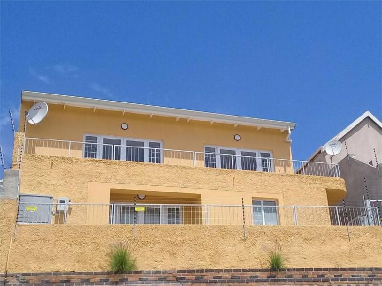 Richmond hill- 2 bedroom flat r5000