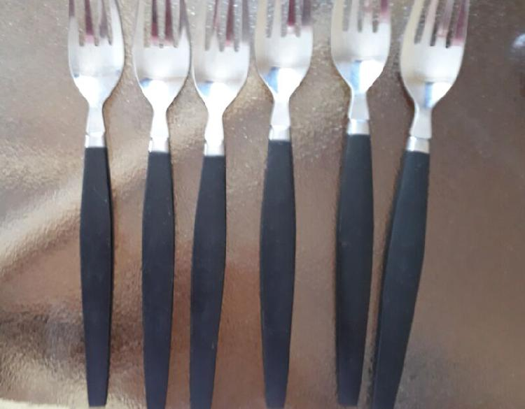ROSTFREI FOREIGN Cutlery set.