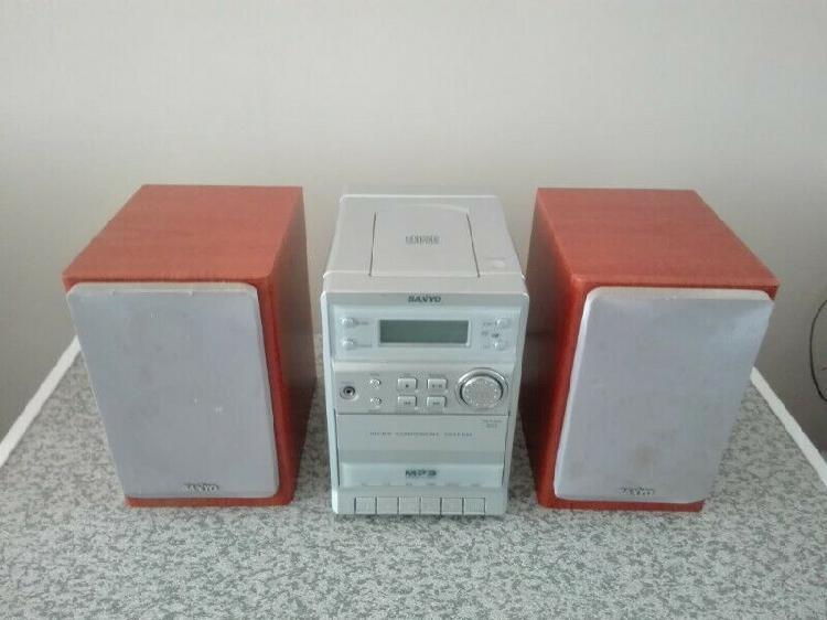 Sanyo hi-fi mp3 cd/radio player