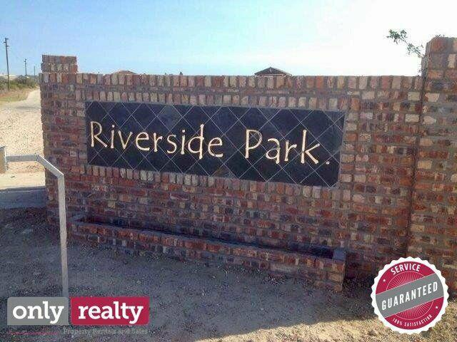 VACANT PLOT FOR SALE IN COLCHESTER / SUNDAYS RIVER