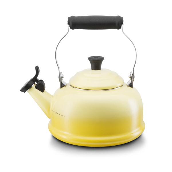 Le creuset whistling stovetop kettle, 1.6 litre