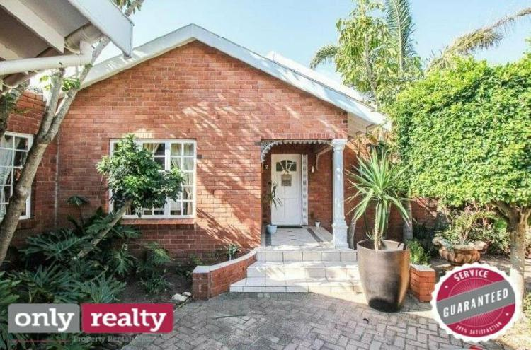 Summerstrand 3 bed 2 bath house with double garage and pool