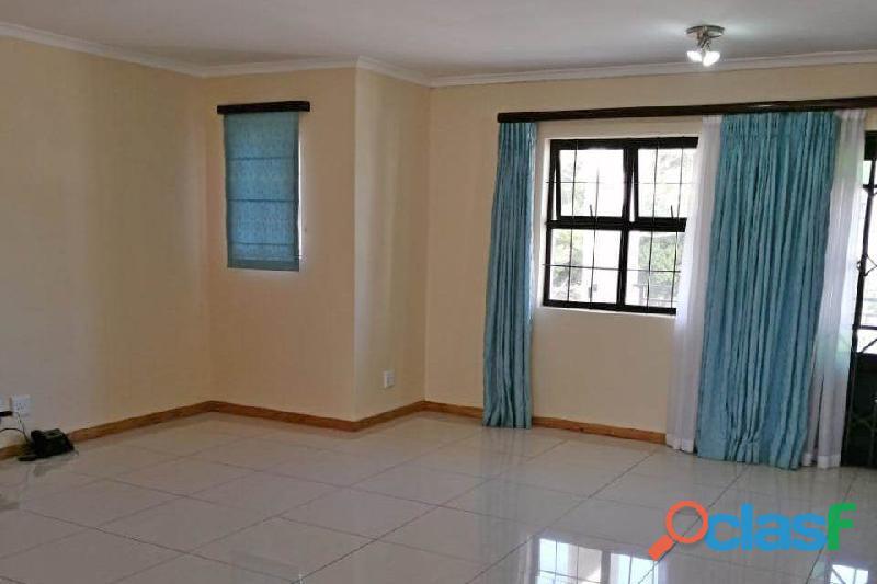 2 Bed Apartment in Rondebosch 10