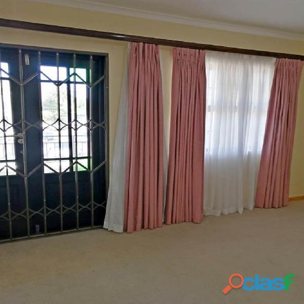 2 Bed Apartment in Rondebosch 12
