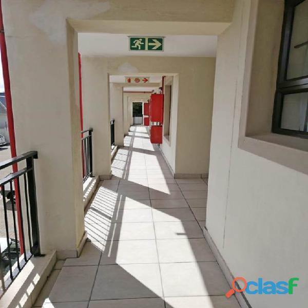 2 Bed Apartment in Rondebosch 13