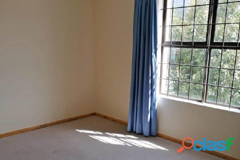 2 Bed Apartment in Rondebosch 6