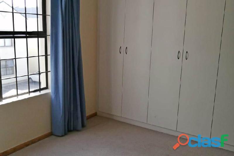 2 Bed Apartment in Rondebosch 5