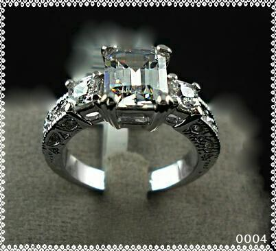 18k white gold plated engagement/dress ring, free box, size