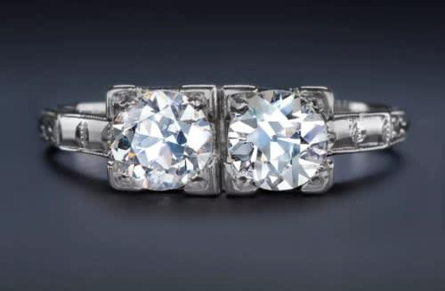 Vintage & antique collection | 18k white gold two stone 1ct