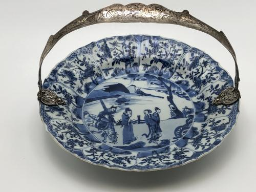 Original kangxi period 1661-1722 blue and white plate with