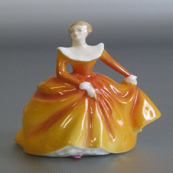 Original vintage 1965 royal doulton fragrance hn3220