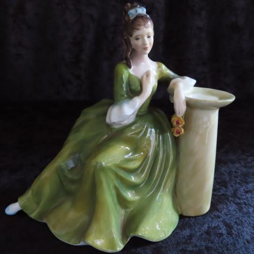 Royal doulton figurine secret thoughts hn 2382