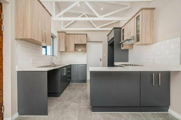 Stunning 2 bedroom home for sale in fairview