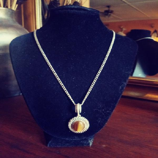 Beautiful silver and tigers eye stone pendant with chain