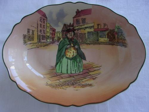 Vintage royal doulton oval sairey gamp fruit bowl - d. 6327