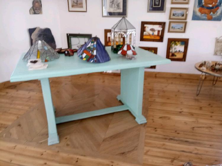 Retro table 6 seater