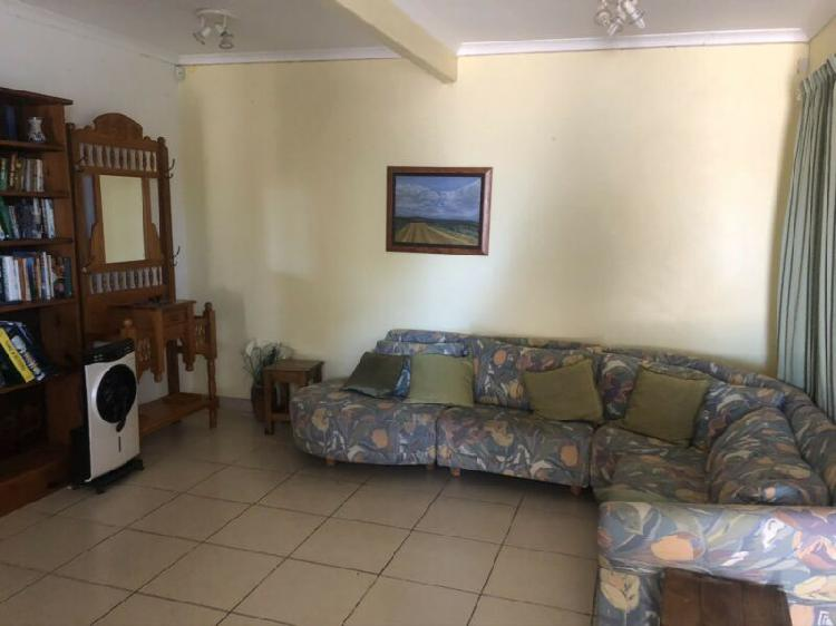 Furnished flatlet summerstrand